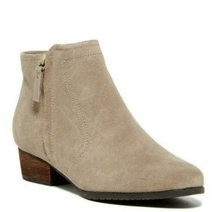 "Blondo ""Ingrid"" Bootie Tan Suede waterproof sz 9.5"
